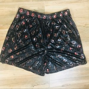 Silky Heart & Kiss Print Boxers Size Large